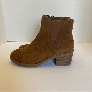 NWT Forever 21 Tan Booties Camel Slip On Size 7